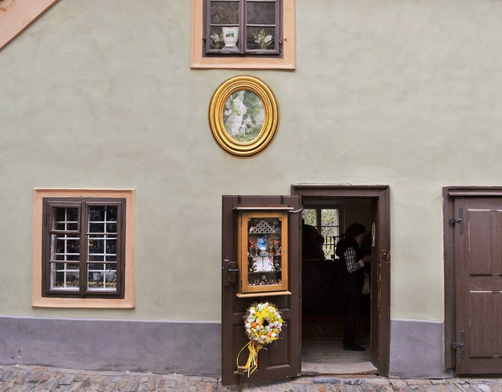 golden lane prague 4