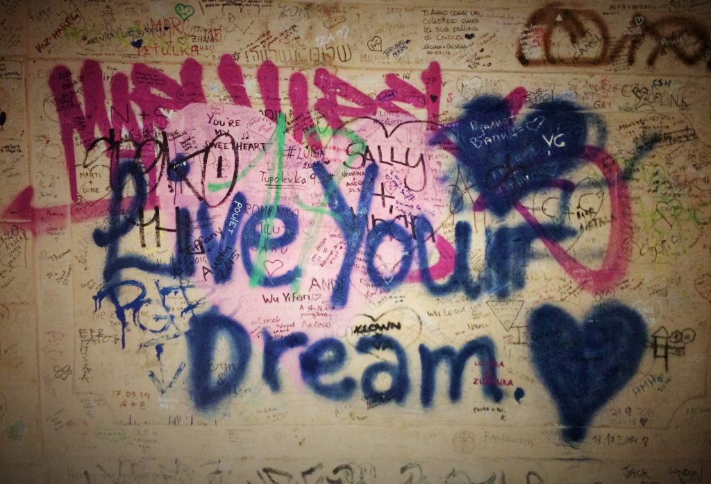 lennon wall prague 3