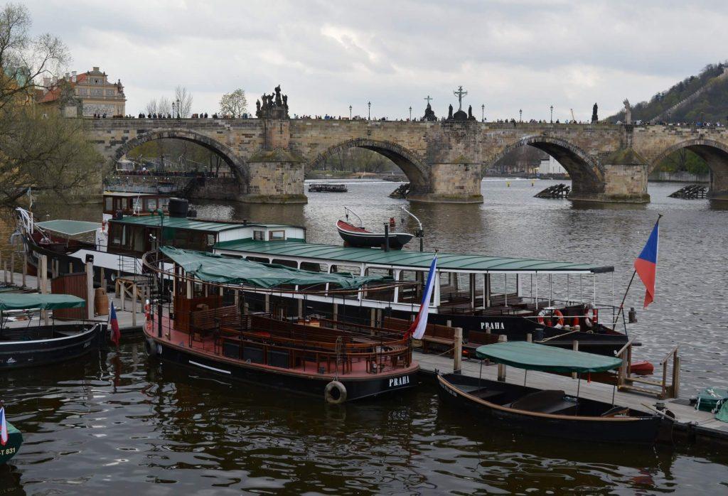 praga-podul carol